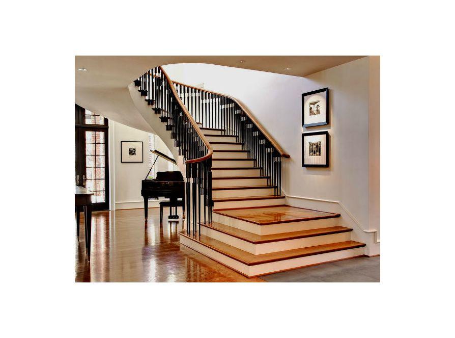 Заказать лестницы для дома и дачи в Воскресенске